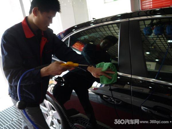 上海靓车会专业汽车镀膜爵士黑雪弗兰迈瑞宝钻石镀膜高清图片