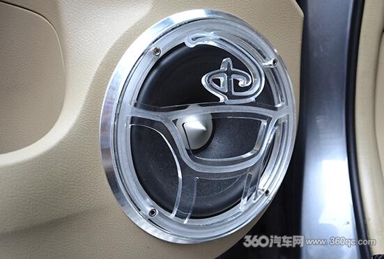 3组亚军 中山魔音坊汽车影音技术联盟本田CRV闪电音响改装高清图片